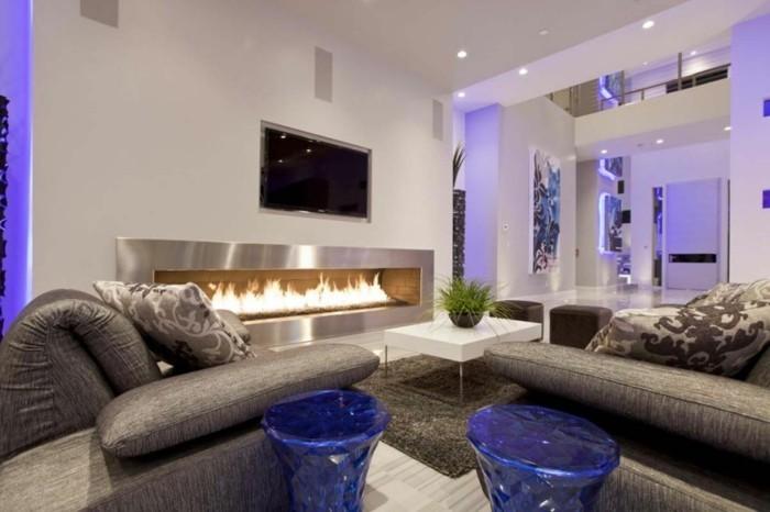 Zimmer-Dekorieren-mit-lila-Beleuchtung