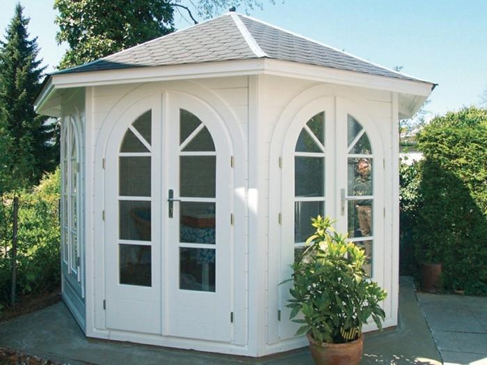 gartenpavillon-rund-weiß-lackiert