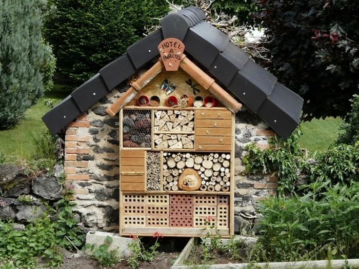 insektenhotel-selber-bauen-ein-toll-aussehendes-insektenhotel-selber-bauen
