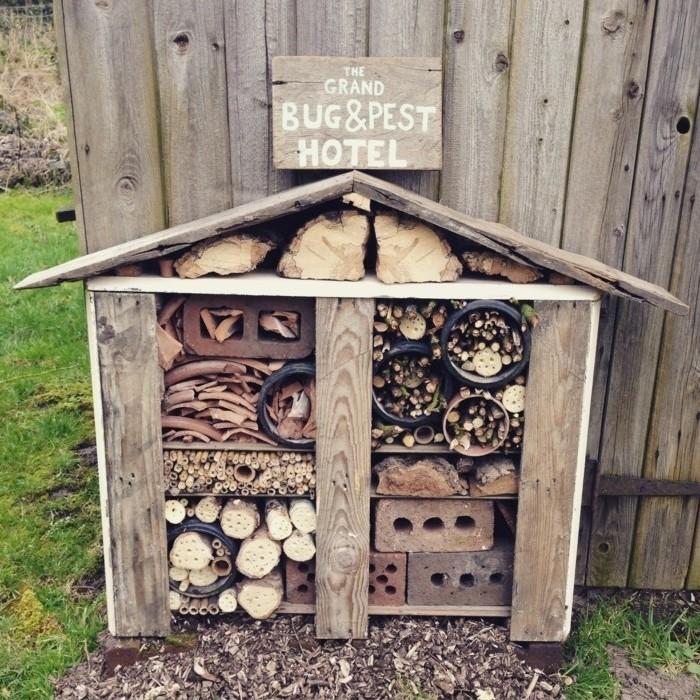 insektenhotel-selber-bauen-hier-ist-noch-ein-tolles-in