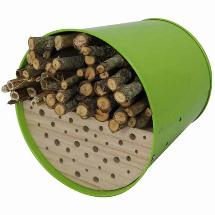 insektenhotel-selber-bauen-man-kann-ein-solches-insektenhotel-selber-bauen