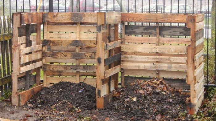 komposter-selber-bauen-ein-schöner-komposter-aus-paletten