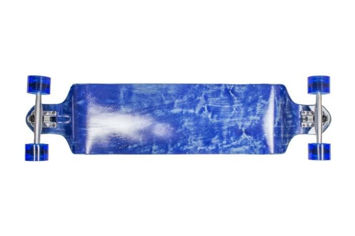 longboard-selber-bauen-ein-blaues-longboard