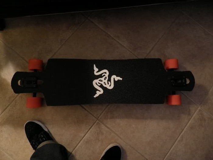 longboard-selber-bauen-ein-schwarzes-longboard-selber-bauen