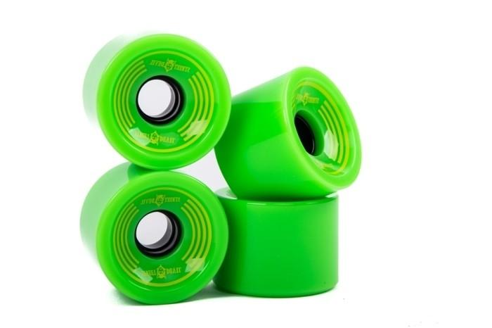 longboard-selber-bauen-hier-sind-grüne-longboard-rollen