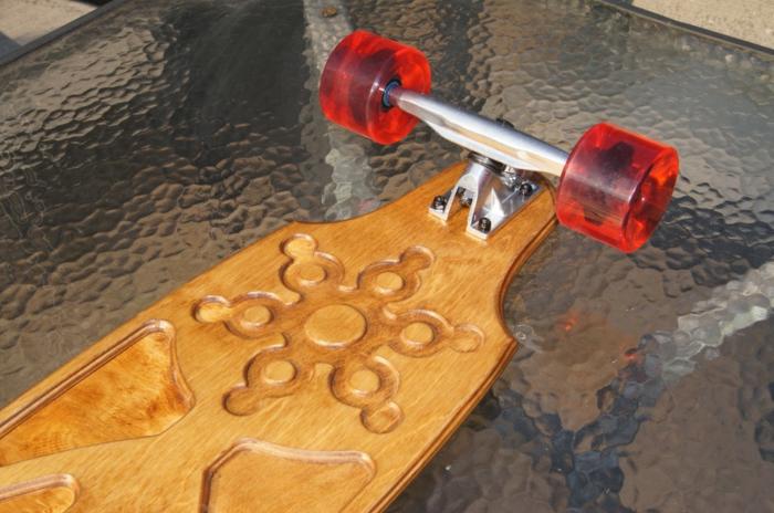 longboard-selber-bauen-schöne-longboard-rollen