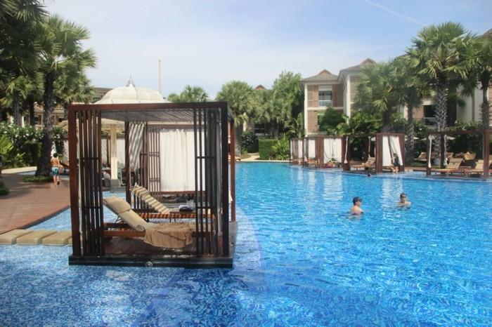 luxus-pool-ein-kleiner-luxus-pool-für-garten