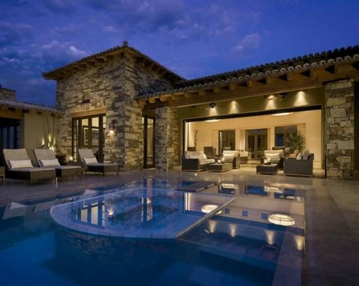 luxus-pool-ein-luxus-ferienhaus-mit-pool