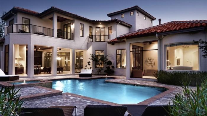 luxus-pool-ein-luxus-pool-im-garten