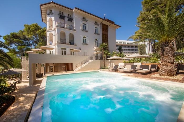 luxus-pool-für-den-garten-einen-schönen-luxus-pool-bauen