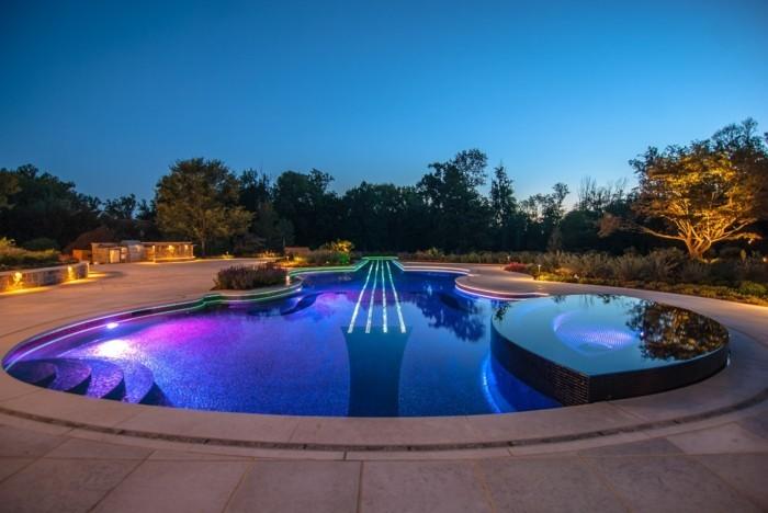 luxus-pool-ganz-toll-aussehender-luxus-pool-im-garten