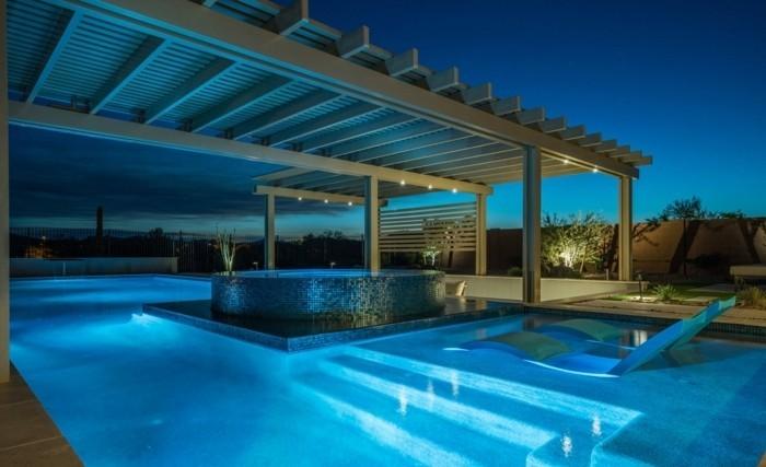 luxus-pool-großer-luxus-pool-und-garten