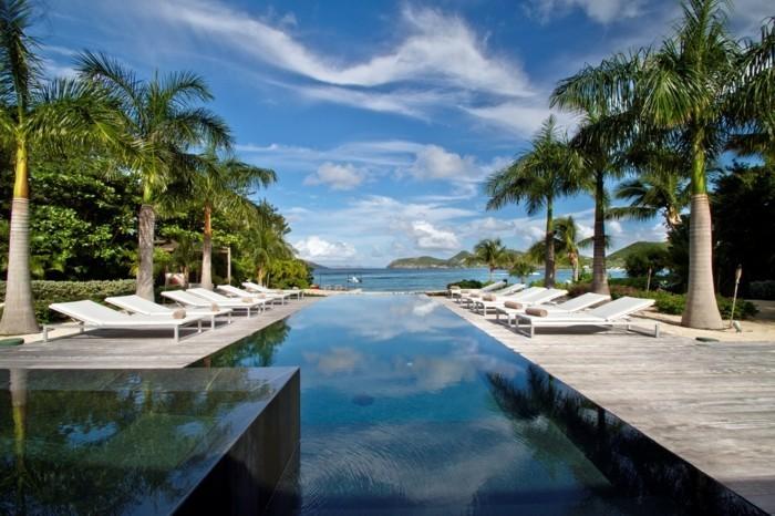luxus-pool-hier-ist-ein-ausgefallener-pool-im-kleinen-garten