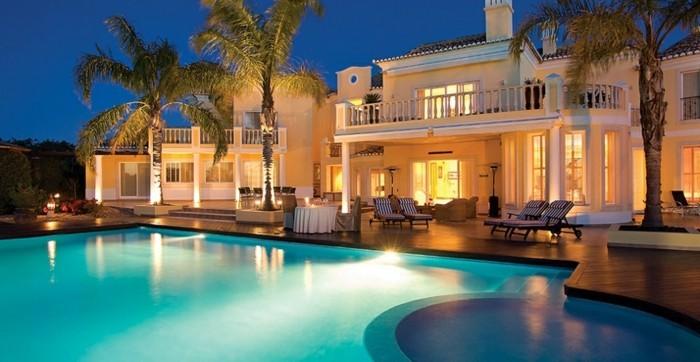 luxus-pool-jeder-könnte-einen-luxus-pool-im-garten-bauen
