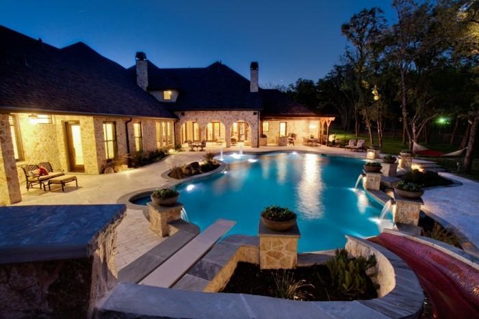 luxus-pool-mit-einem-luxus-pool-den-ganzen-garten-verschönern