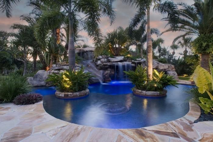luxus-pool-noch-ein-ausgefallener-pool-im-kleinen-garten