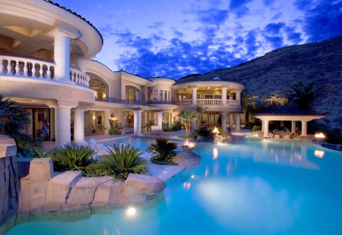 luxus-pool-noch-ein -schöner-luxus-pool-für-den-gatren