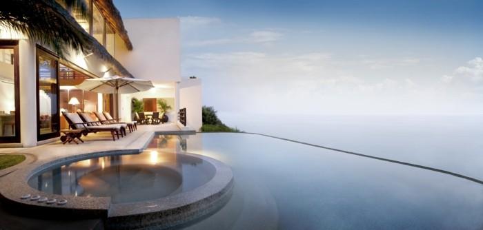 luxus-pool-noch-ein-schönes-luxus-ferienhaus-mit-pool