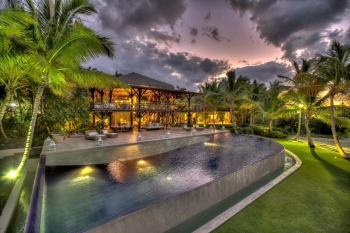 luxus-pool-schöner-garten-mit-pool