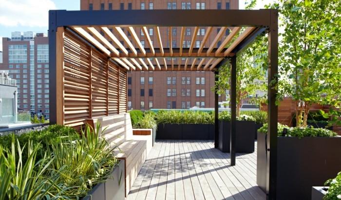 moderne-pergola-aus-holz-für-terrasse