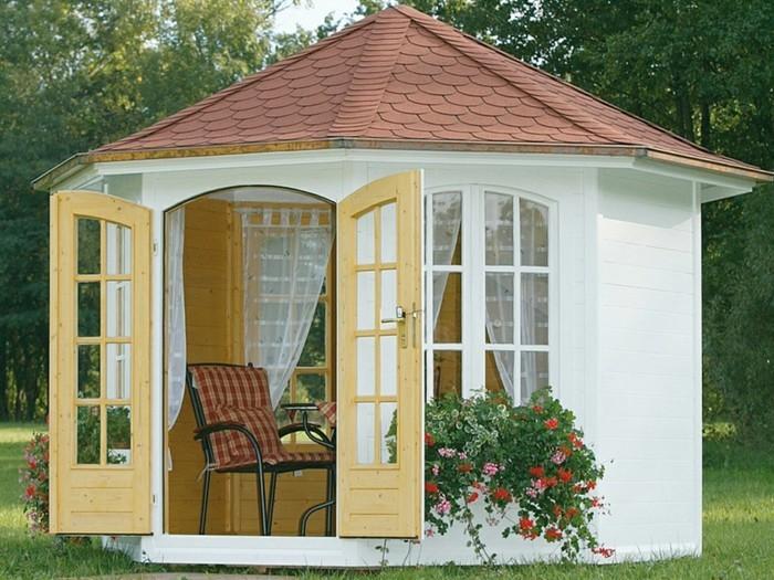 pavillon-für-den-garten-mit-gartentor
