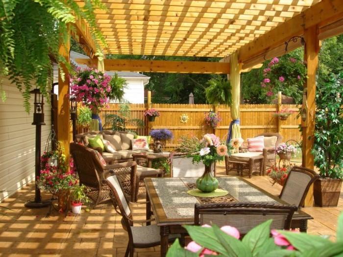 pergola-ausstattung-mit-patio-möbel
