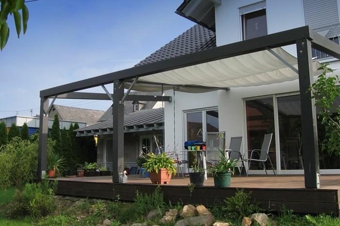 pergola-holz-Terrassendach-modernes-haus