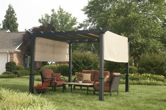 pergola-im-garten-mit-patio-möbel
