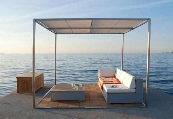 pergola-mit-sonnensegel-lounge-möbel