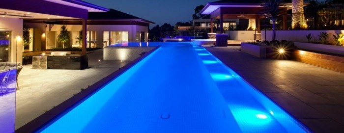 pool-beleuchtung-eine-blaue-led-beleuchtung