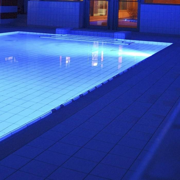 pool-beleuchtung-idee-für-toll-aussehende-pool-beleuchtung