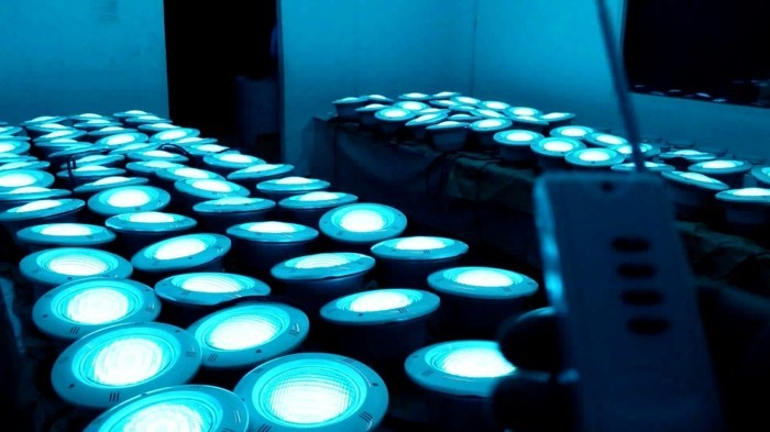 pool-beleuchtung-led-beleuchtung-für-ihren-pool