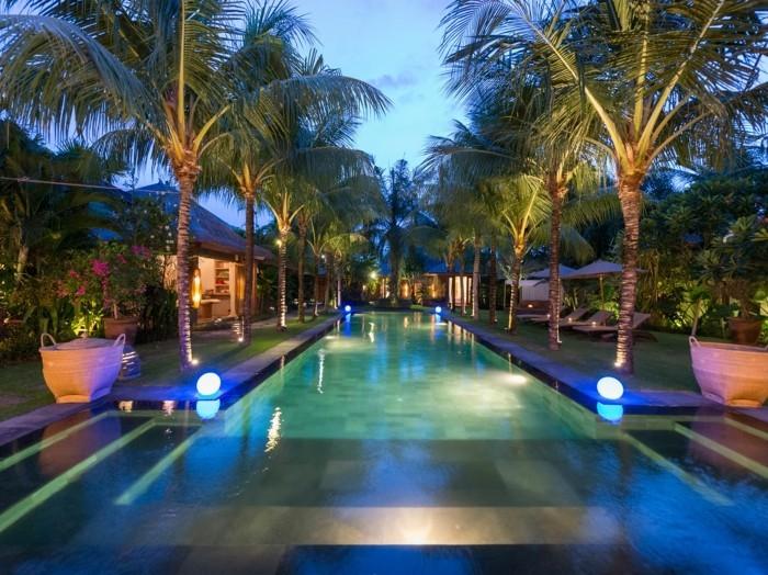 pool-beleuchtung-mit-einer-led-beleuchtung-den-pool-verschönern
