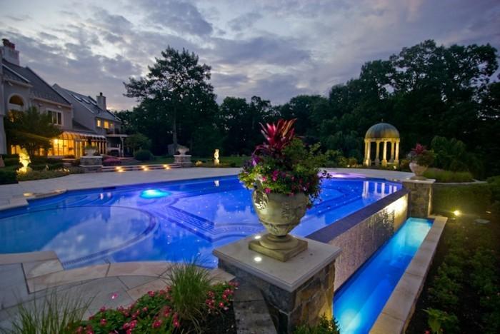 pool-beleuchtung-mit-einer-led-beleuchtung-können-sie-ihren-eigenen-pool-verschönern