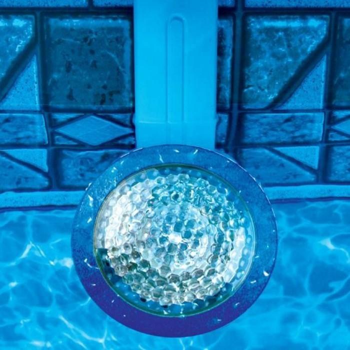 pool-beleuchtung-noch-eine-idee-für-toll-aussehende-pool-beleuchtung