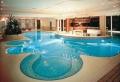 Pool Fliesen für ein modernes Schwimmbecken