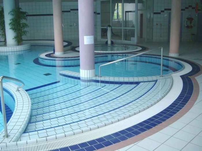 Pool fliesen f r ein modernes schwimmbecken - Ausgefallene fliesen ...