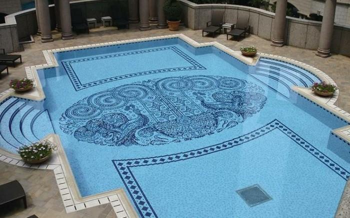 pool-fliesen-hier-ist-eine-ausgefallene-idee-für-mosaik-fliesen