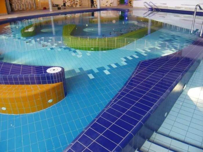 pool-fliesen-hier-sind-ideen-für-mosaik-fliesen