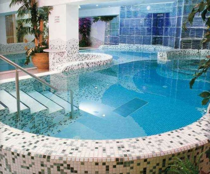 pool-fliesen-hier-sind-moderne-fliesen-für-pool