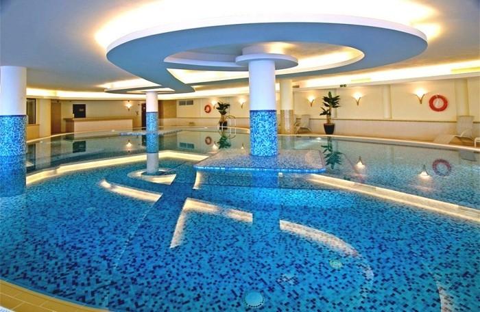 pool-fliesen-sehr-schöne-pool-fliesen