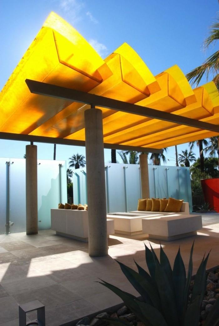sitzecke-moderne-pergola-und-patio-gestaltung