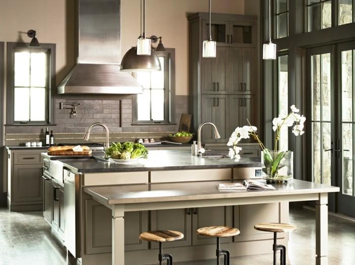 wunderschöne-küche-in-dunklen-farben