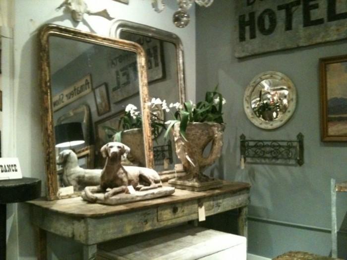 antike-spiegel-zwei-nebeneinander-gestellt