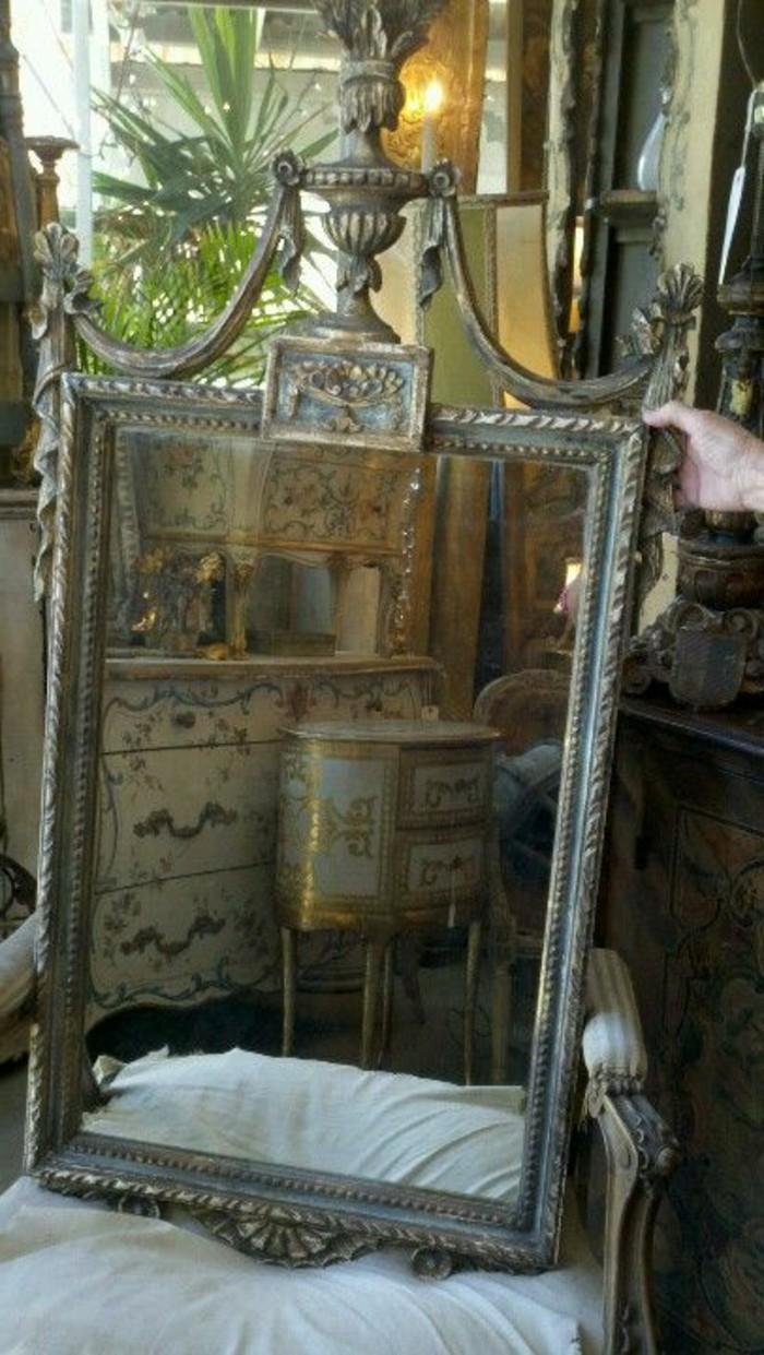 Antike spiegel ausgefallene dekoration f r das zimmer - Spiegel mit teleskopstange ...