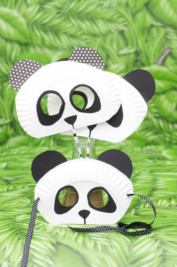 Basteln-für-Fasching-einige-Pandas
