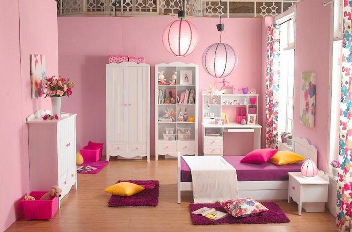 kinderzimmer-rosa-eine-auffaellige-dekoration