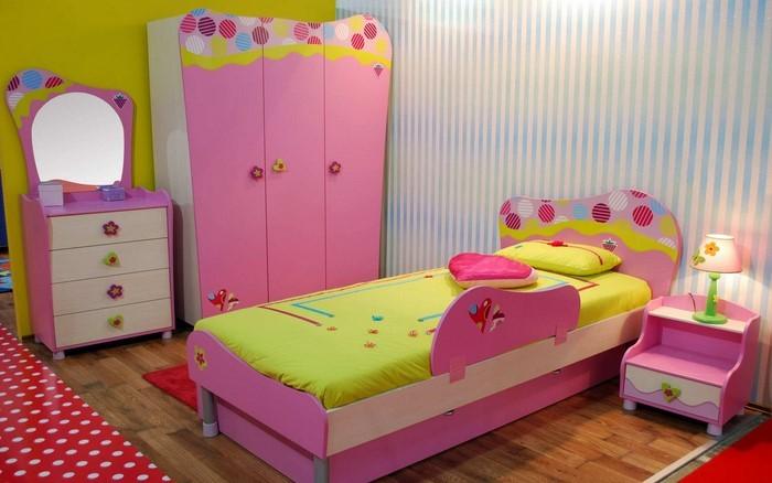kinderzimmer-rosa-eine-kreative-dekoration