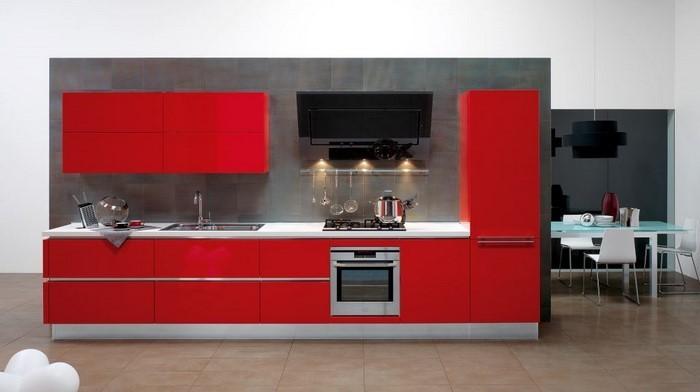 kueche-in-rot-ein-aussergewoehnliches-design