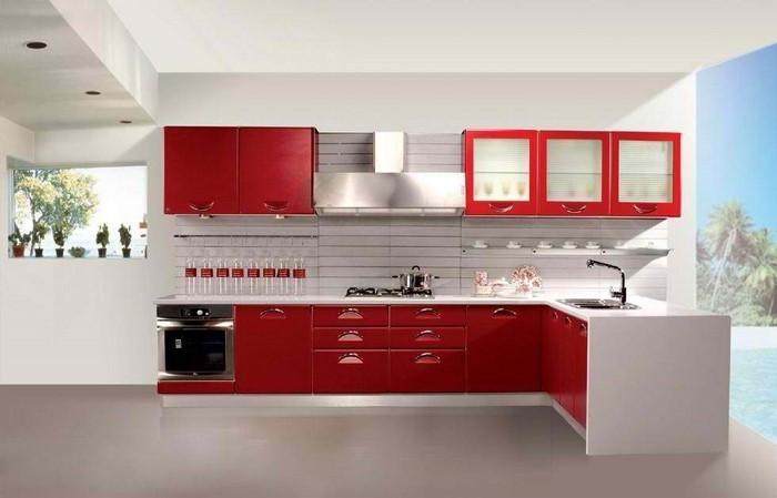 kueche-in-rot-eine-moderne-dekoration